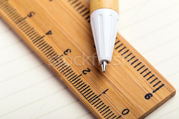 Artigos de papelaria escala escrever matemática engenheiro Foto stock © leungchopan