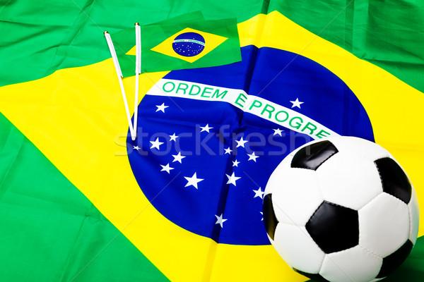 Brasil bandeira jogo de futebol mundo futebol verde Foto stock © leungchopan
