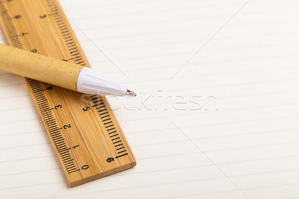 Artigos de papelaria papel caneta branco matemática governante Foto stock © leungchopan