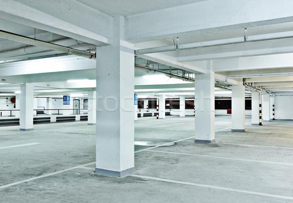 Parking voiture bleu rouge intérieur parc Photo stock © leungchopan