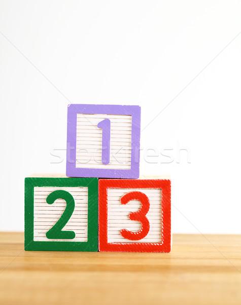 123 brinquedo de madeira carta aprendizagem jogo ensinar Foto stock © leungchopan