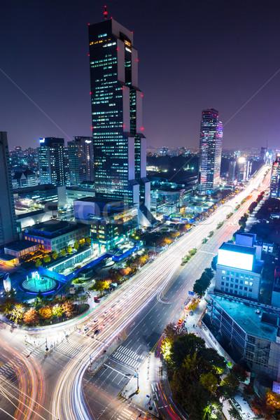 Distrito noche carretera edificio ciudad paisaje Foto stock © leungchopan