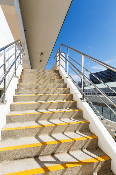 Stock fotó: Sétál · lépcső · szabadtér · égbolt · építészet · létra