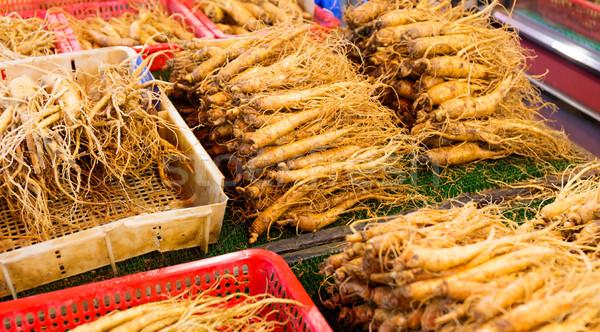 Ginseng alimentaire rouge marché contenant saine Photo stock © leungchopan