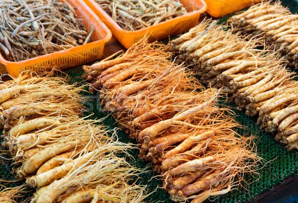 женьшень продавать рынке продовольствие красный контейнера Сток-фото © leungchopan