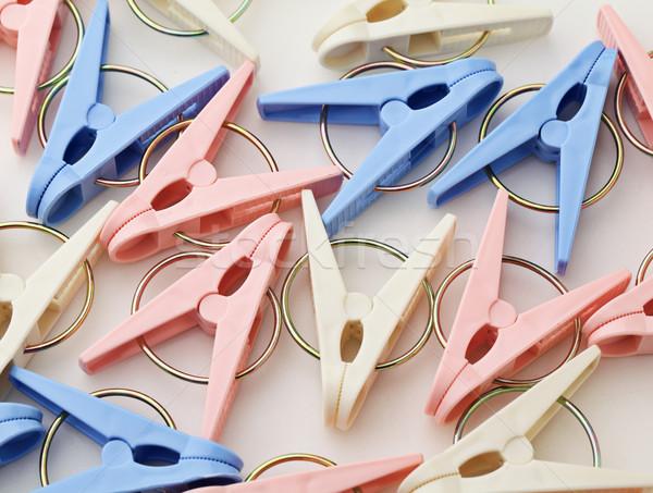 Kleurrijk wasknijper Blauw kleding plastic wasserij Stockfoto © leungchopan