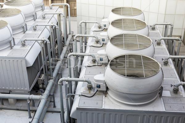 Resfriamento torre dentro edifício construção tecnologia Foto stock © leungchopan