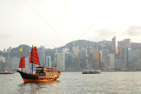 Hong Kong porto vermelho velejar barco céu Foto stock © leungchopan