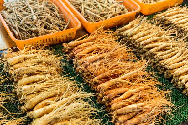 женьшень свежие продовольствие рынке медицина китайский Сток-фото © leungchopan