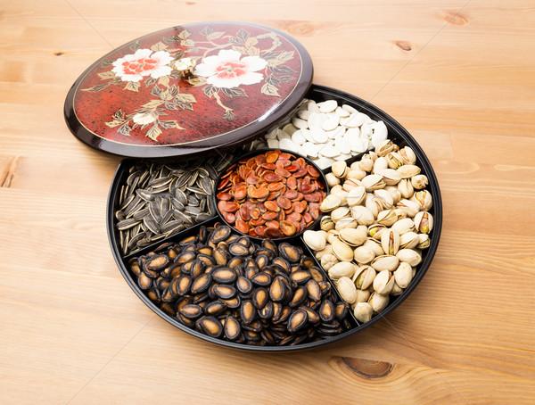 Snack dienblad voedsel Rood zwarte Stockfoto © leungchopan