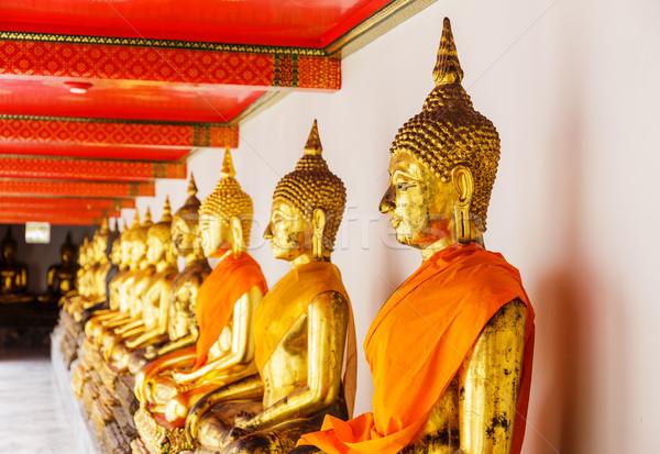 Altın Buda tapınak ibadet dua heykel Stok fotoğraf © leungchopan