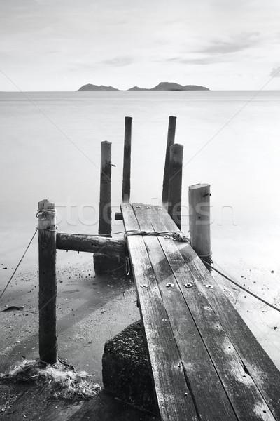 Pier zee zwart wit water abstract landschap Stockfoto © leungchopan