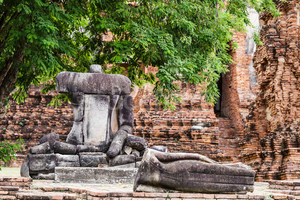 Broken Buddha at Ayuttaya, Thailand Stock photo © leungchopan