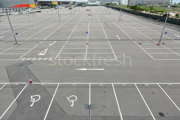 Parque de estacionamento carro espaço parque automático asfalto Foto stock © leungchopan