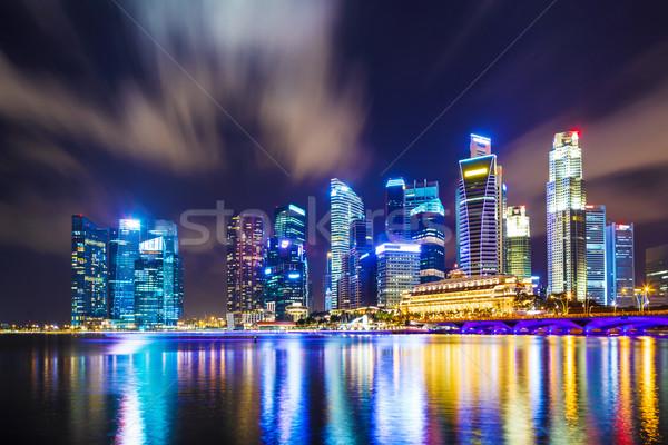 Singapour Skyline nuit bureau eau bâtiment Photo stock © leungchopan