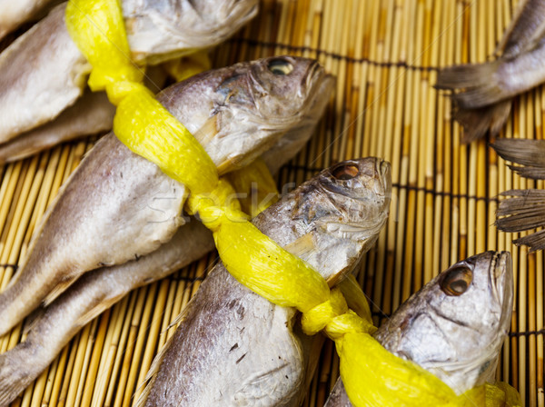 Secado salado peces vender madera mercado Foto stock © leungchopan