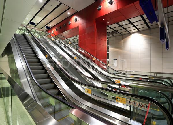 Roltrap business gebouw abstract technologie glas Stockfoto © leungchopan
