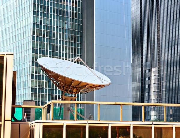 Satelliet gerechten internet televisie ruimte wetenschap Stockfoto © leungchopan