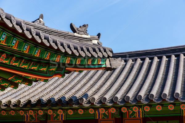 Tradycyjny architektury dachu okap domu ściany Zdjęcia stock © leungchopan
