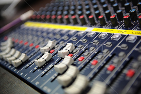 Sonores mixeur musique bureau studio bord Photo stock © leungchopan