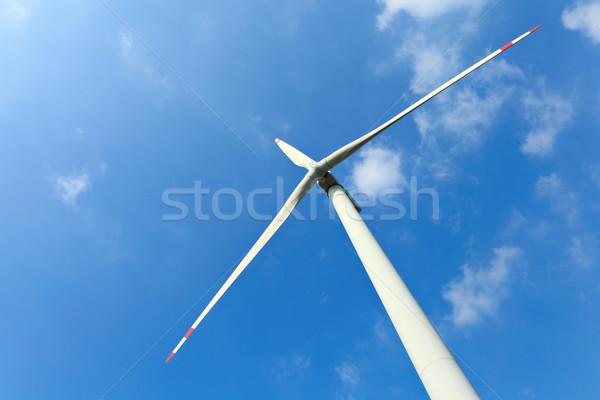 Szélturbina energia fehér elektromosság elektromos szélmalom Stock fotó © leungchopan