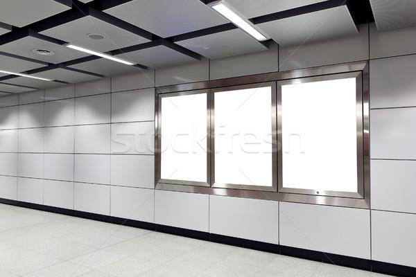 Cartellone metro stazione città vetro segno Foto d'archivio © leungchopan