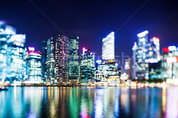 Messa a fuoco selettiva Singapore skyline ufficio città notte Foto d'archivio © leungchopan