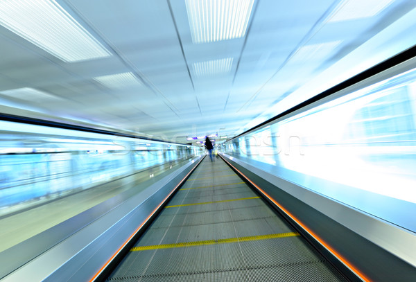 Movimento scala mobile persona business ufficio vetro Foto d'archivio © leungchopan