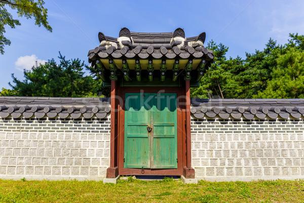 Tradycyjny architektury domu drzewo drewna ściany Zdjęcia stock © leungchopan