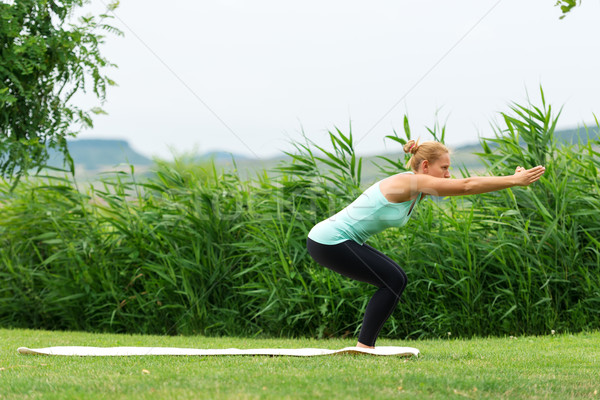неловкий природы тело зеленый йога Сток-фото © leventegyori