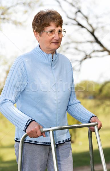 Senior vrouw vrouwen medische natuur geneeskunde Stockfoto © leventegyori