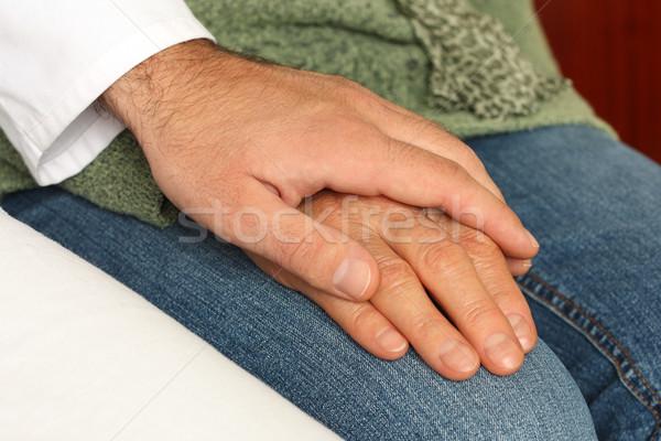 Senior patiënt hand man arts medische Stockfoto © leventegyori