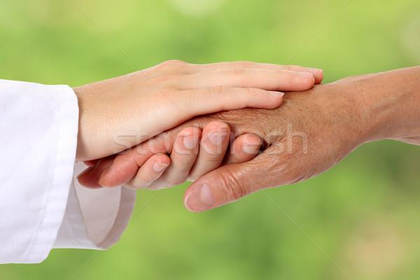 женщину стороны помогают старший природы женщины Сток-фото © leventegyori
