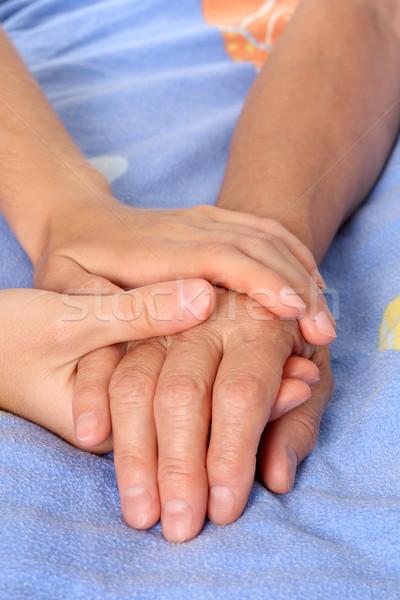 Ajuda senior paciente mão mulheres Foto stock © leventegyori