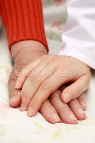 , держась за руки медсестры ухода старший домой стороны Сток-фото © leventegyori
