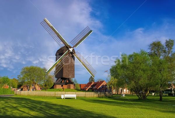 Post molino mar Europa molino de viento pradera Foto stock © LianeM