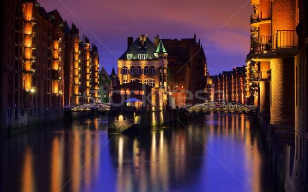 Hamburgo ciudad palacio noche agua azul Foto stock © LianeM