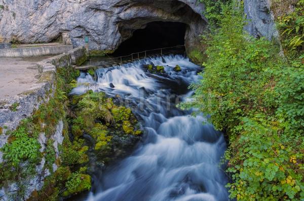 La południowy Francja wody rock rzeki Zdjęcia stock © LianeM