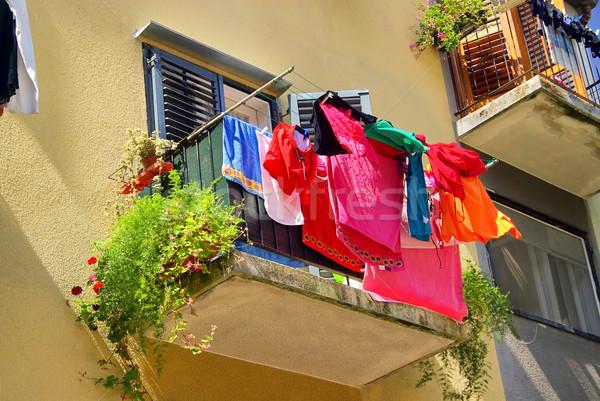 прачечной балкона домой городского красный жизни Сток-фото © LianeM