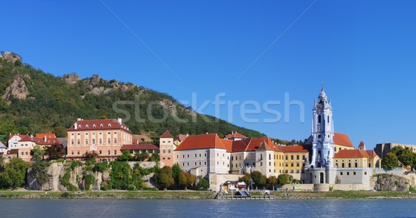 Stockfoto: Huis · muur · Blauw · skyline · rivier · architectuur