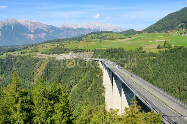 15 ponte viaggio traffico concrete veloce Foto d'archivio © LianeM