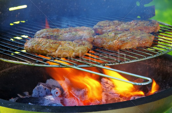 Stockfoto: Barbecue · koken · vlam · biefstuk · barbecue