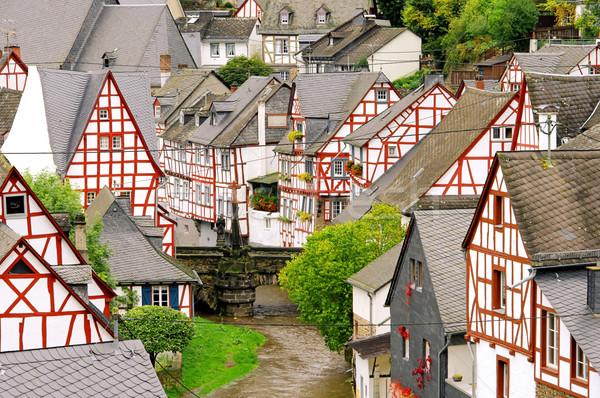 12 casa madera marco puente río Foto stock © LianeM