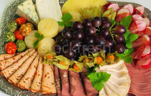 Buffet 13 croix table fromages plaque Photo stock © LianeM