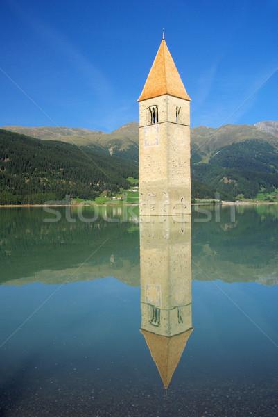 Iglesia 25 agua azul lago torre Foto stock © LianeM