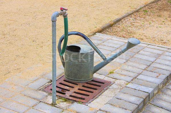 じょうろ 水 鉄 スライド 水まき ストックフォト © LianeM