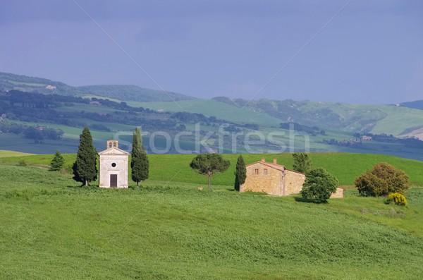 Toskana küçük kilise ev bahar alan kilise Stok fotoğraf © LianeM