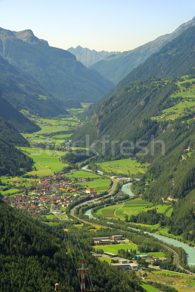 Posada valle agua casa hierba naturaleza Foto stock © LianeM