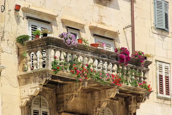 Erkély ház épület utazás retro építészet Stock fotó © LianeM