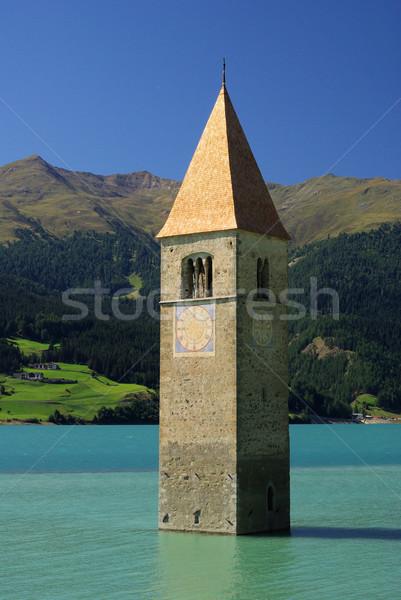 ストックフォト: 教会 · 水 · 青 · 湖 · 塔 · 好奇心
